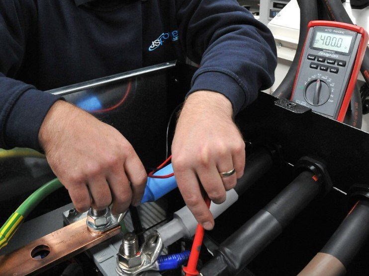 What to Do to Keep the Generator Battery in Good Condition