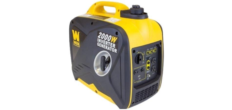 How much gas does a 2000 watt generator use?